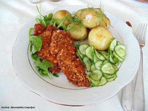 http://kuchniastarowiejskiejgospodyni.blog.pl/2017/06/23/orzechowa-piers-z-kurczaka/