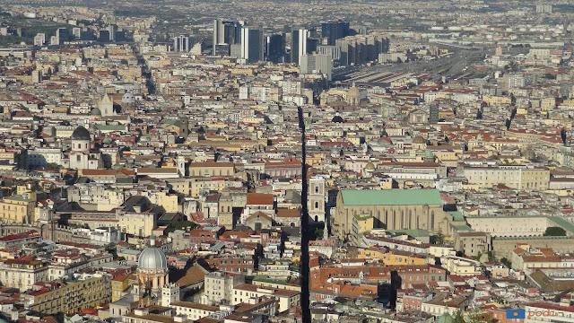 Spaccanapoli dal castel di Sant'Elmo - Napoli
