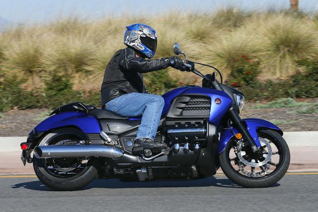 Honda Valkyrie Front look