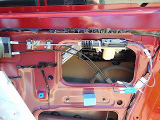 Installation d'un actionneur de serrure porte électrique