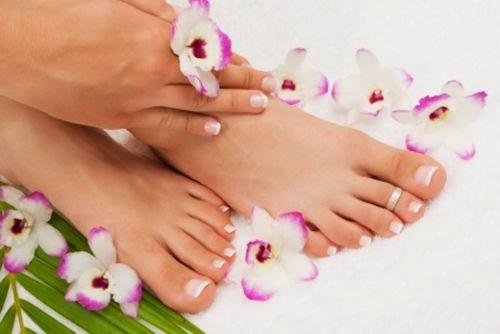 cara merawat kaki kering