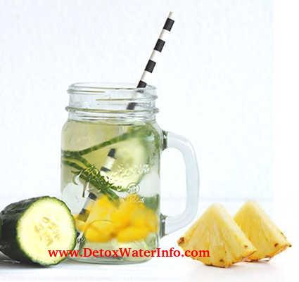 Pineapple cucumber detox water