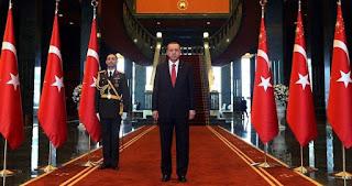 Οι δύο πόλεμοι του Ερντογάν…