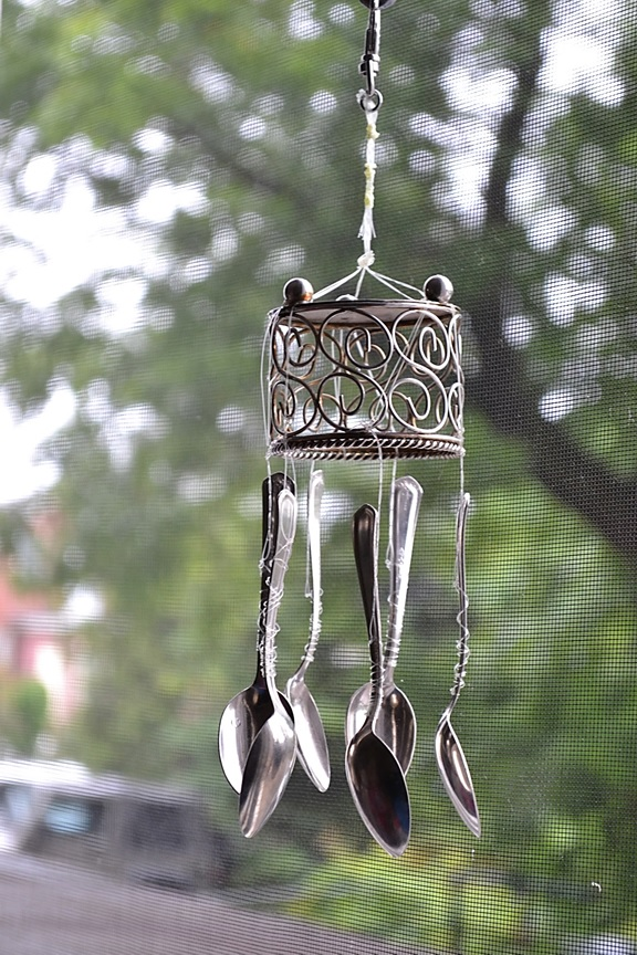 Let it shine diy wind chimes recycle spoons for Wind chimes from recycled materials