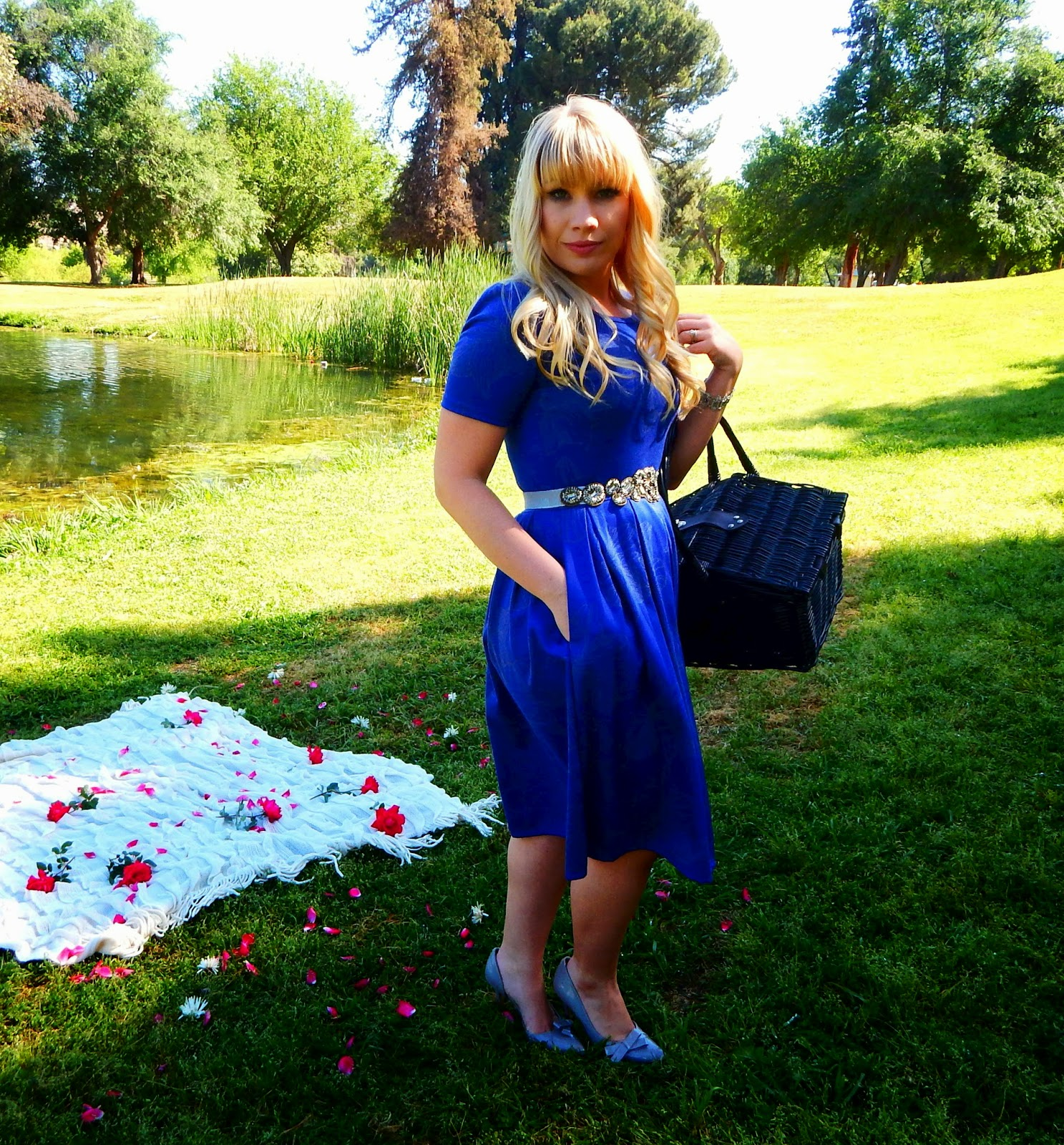 5cf855a96 Why I Stopped Being a Lularoe Consultant by popular California fashion  blogger Lizzie in Lace ...