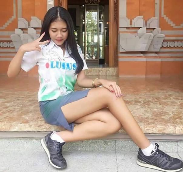 Foto Hot Gadis SMK Toket Dan Paha Mulus Setelah Ngerayain Kelulusanya