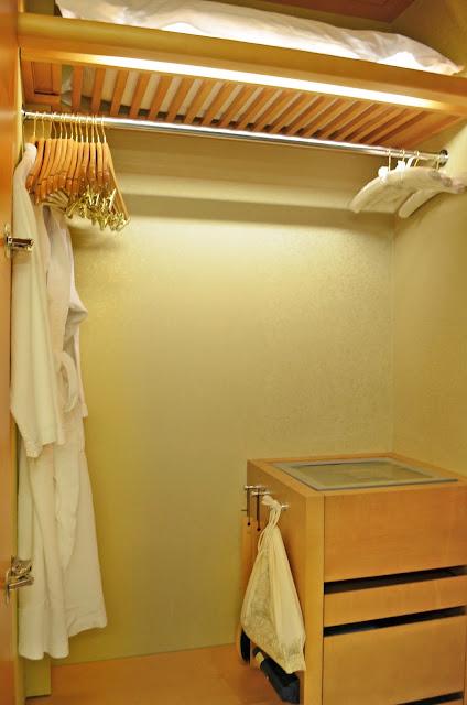 Lastest New Mega Bathroom Store The Professional Depot Opened On 373