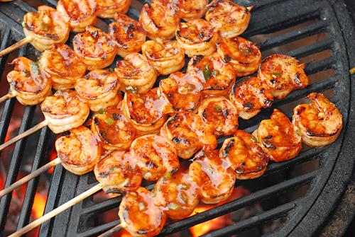 Grilled shrimp skewers on Craycort cast iron grate