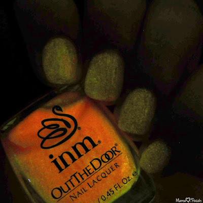 inm-glow-glow-in-the-dark-swatch