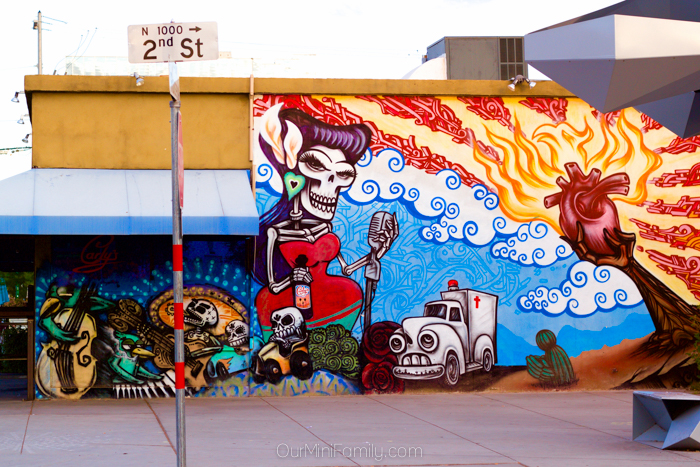 Exploring the roosevelt row murals our mini family for Dia de los muertos mural