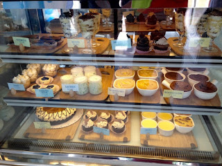 10 Dove Street Confectionery, Grand Opening, Oakridge Business Park, Cake Shop in Cebu, Marisol Verallo, Where to buy Cakes in Cebu, delicious desserts, 10 D.C.