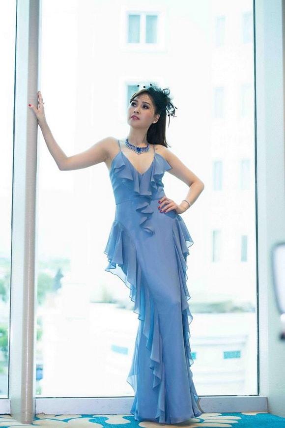 'Gái nhảy' Minh Thư diện váy xanh tiên cá khoe vẻ đẹp gợi cảm tuổi 42 -11