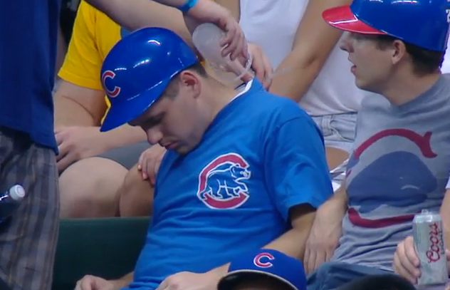 Cubs-fan-wakes-friend-with-ice