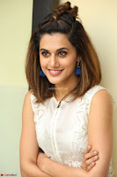 Taapsee Pannu in cream Sleeveless Kurti and Leggings at interview about Anando hma ~  Exclusive Celebrities Galleries 030.JPG