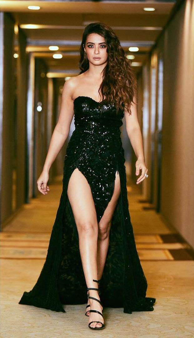 Surveen Chawla in Black Dress at GQ Style Awards 2018