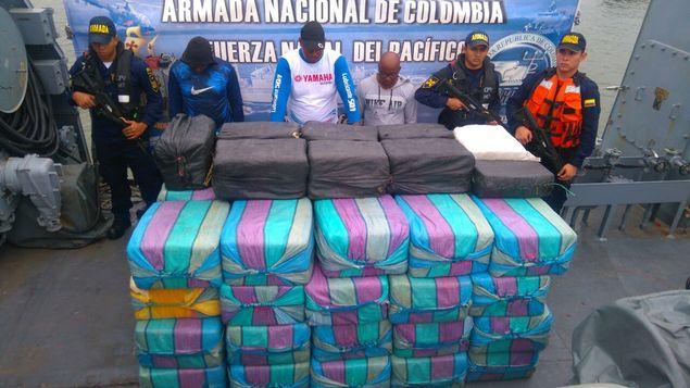 Incautan 2,1 toneladas de cocaína en el Pacífico colombiano