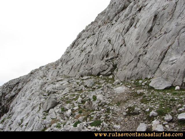 Ruta Pan de Carmen, Torre de Enmedio: Camino a la cima