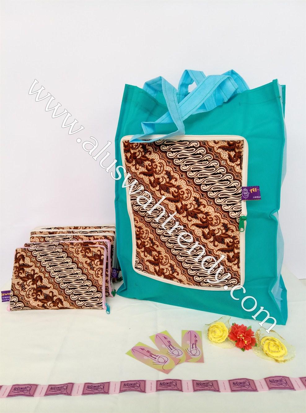 Tas Belanja Lipat Biru Tosca Motif Batik 09