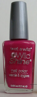 Wet´n´Wild Wild Shine nail color in E454D review swatches