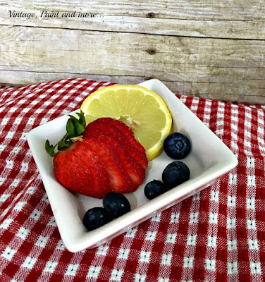 Vintage, Paint and more... use strawberries, blueberries and lemons to make a healthy summer drink