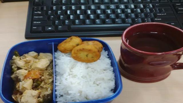 makan siang di kantor