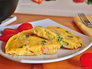 посыпаем тертым сыром и зеленым луком.