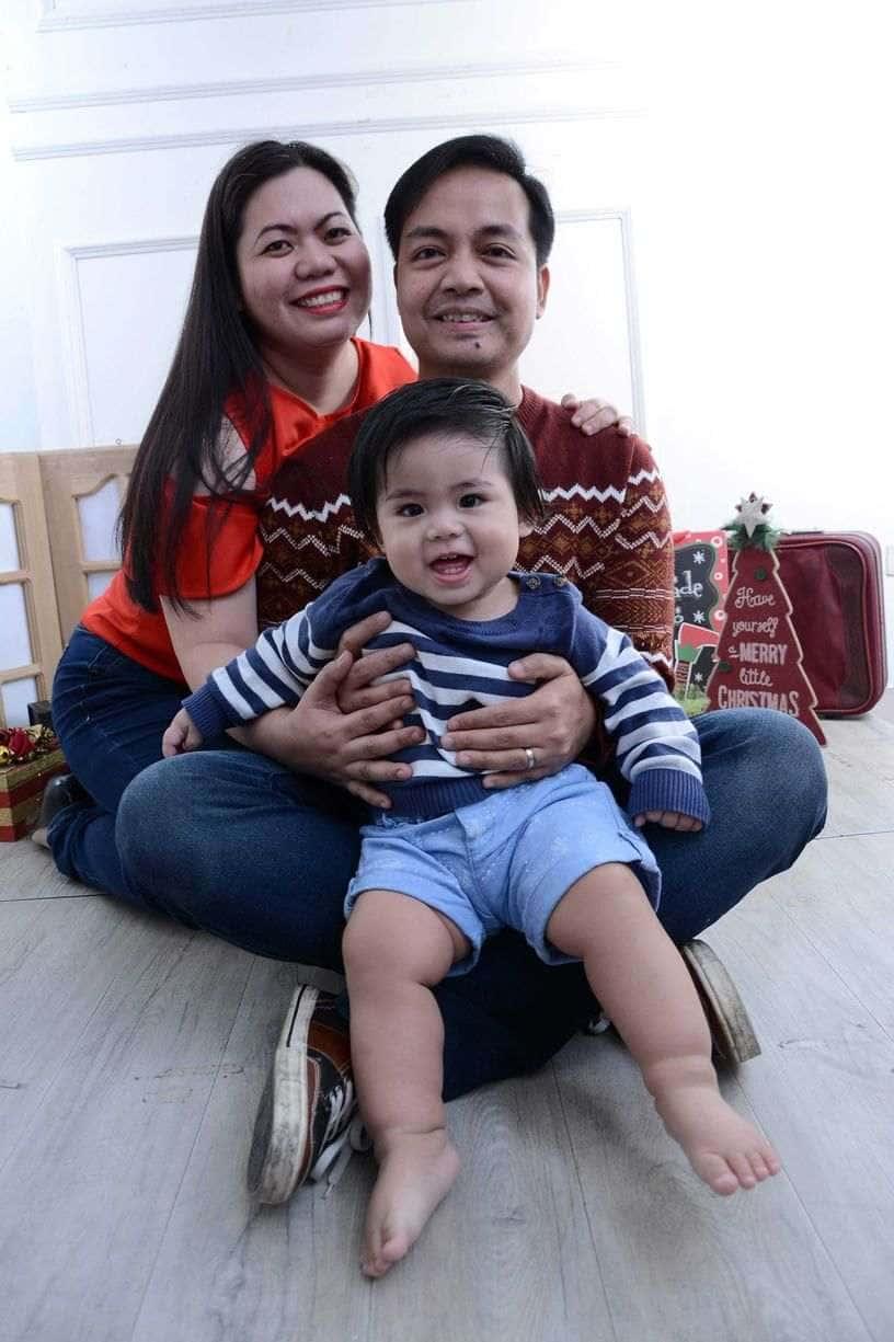 Family photo at Nice Print Studio