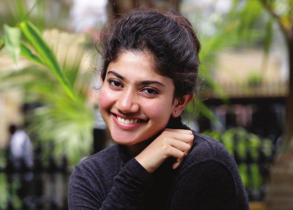 Sai Pallavi sexy still