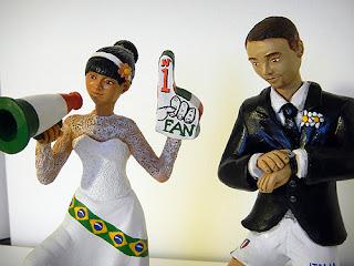 torta sposi statuine torta nuziale personalizzate statuette orme magiche