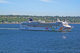 Norwegian Pearl cruise ship departing Seattle