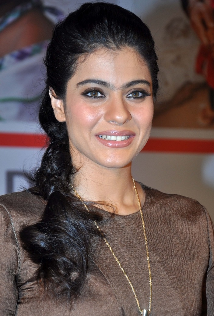 Indian Glamours Lady Kajol Long hair Beautiful Smiling Face Closeup Stills
