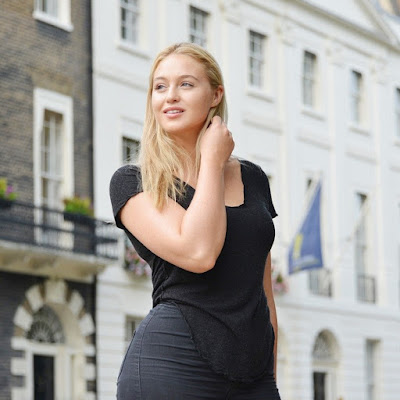 iskra lawrence in black dress