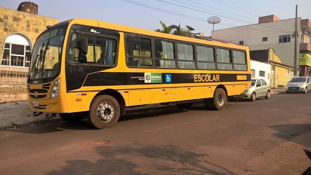 Transporte escolar volta a funcionar após ficar suspenso por 3 dias, em Cacoal