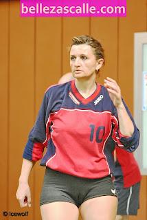 fotos-mujeres-jugando-voleibol