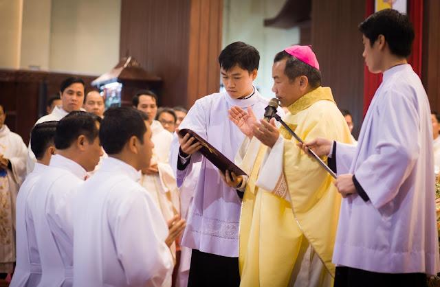 Lễ truyền chức Phó tế và Linh mục tại Giáo phận Lạng Sơn Cao Bằng 27.12.2017 - Ảnh minh hoạ 15