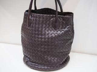 ボッテガヴェネタのハンドバッグを買い取り査定しました
