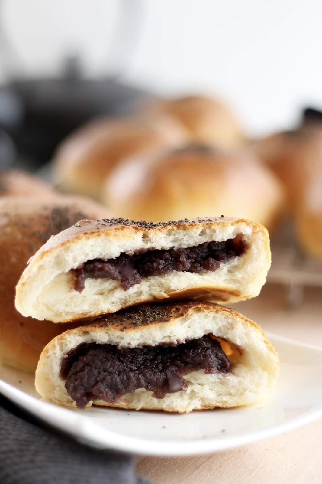 Japanische süße Brötchen gefüllt mit roter Bohnenpaste - Rezept für An Pan
