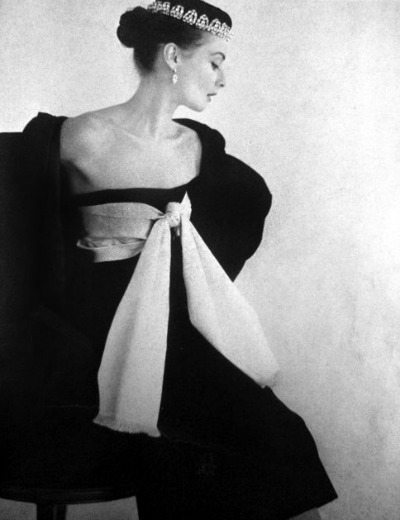 Model Suzy Parker in black and white photograph for Vogue Paris 1951 wearing a Balenciaga design