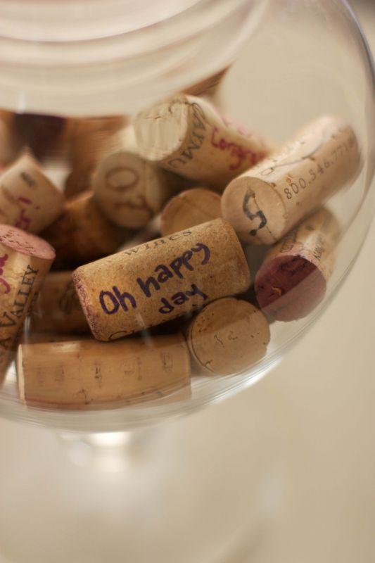décoration mariage thème vin livre d'or bouchon stopper à messages