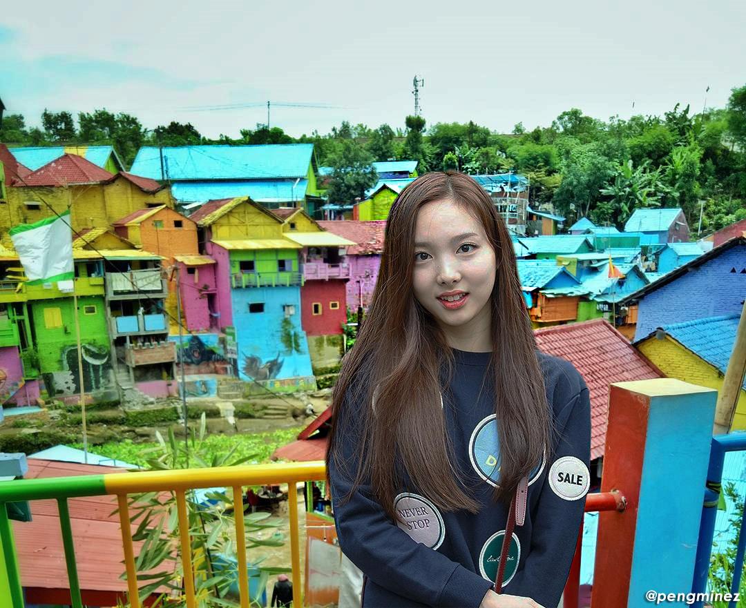 Nayeon Twice merayakan ulang tahunnya dengan liburan ke Kampung Warna-Warni di Malang