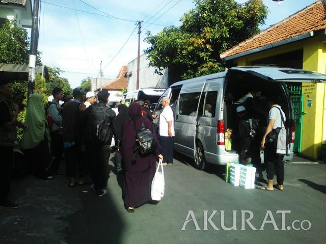 Ratusan Warga Solo Menuju Jakarta untuk Ikuti Reuni Aksi 212 di Lapangan Monas