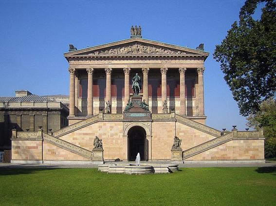 La antigua galería Nacional. Isla de los museos en berlin