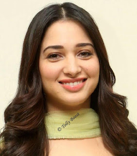 Mumbai Actress Tamannaah Beautiful Long Hair Face Closeup (3)
