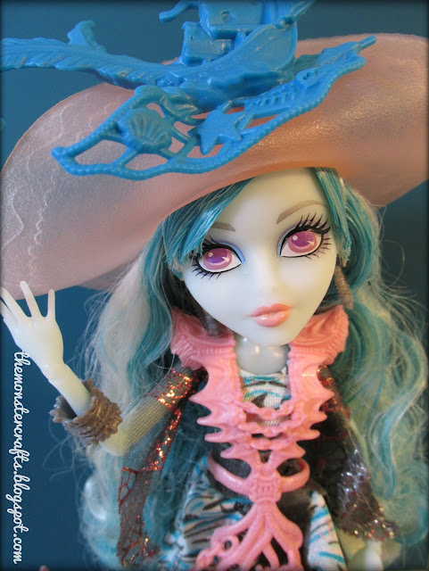Vandala Doubloons Monster High doll photography