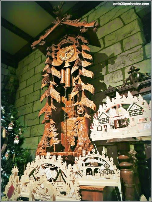 Yankee Candle Village: Reloj de Pared en el Nutcracker Castle
