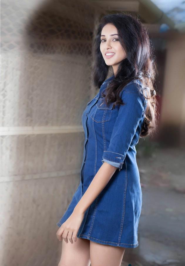 Actress Priyashri