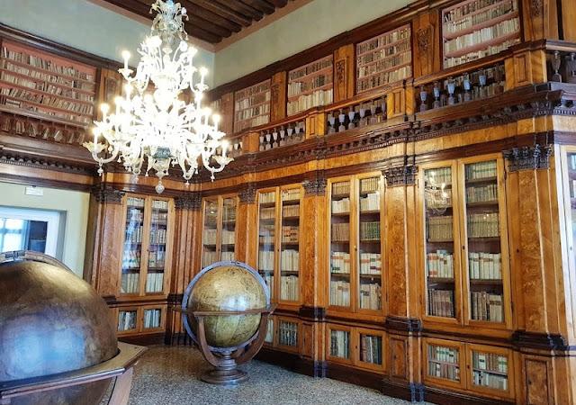 Interior de Museu Correr em Veneza