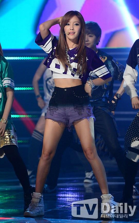 T-ara Hyomin's Sexy ABS