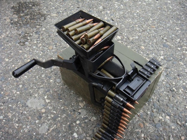 Советская машинка системы Ракова для набивки лент к 7.62 мм пулеметам Максима и Калашникова