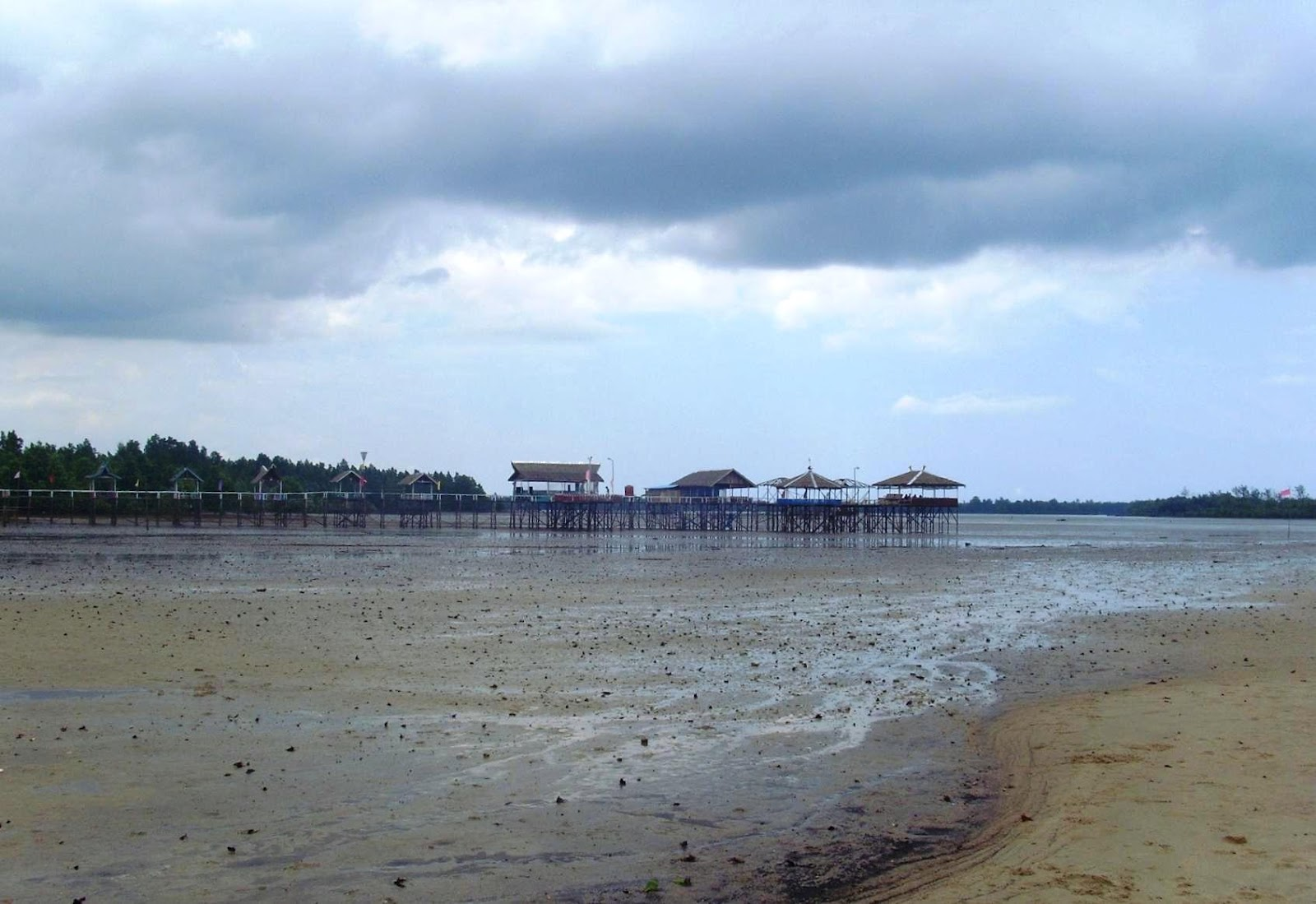 Kec. Ma. Badak Pecahkan rekor MURI: Pantai Penegempang ...Badak Laut
